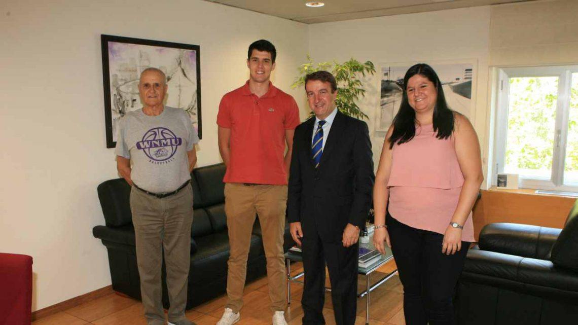 Alex González visita el Ayuntamiento del Tres Cantos