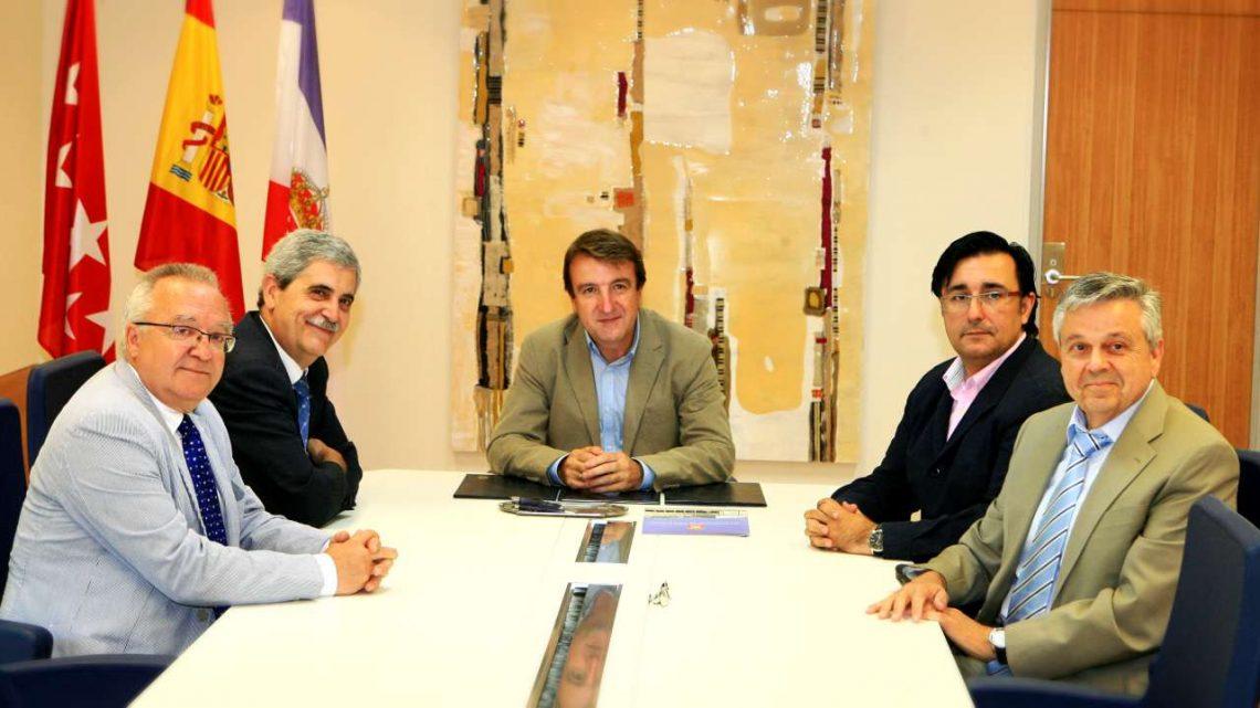 Firma de convenio Ayuntamiento de Tres Cantos – SECOT